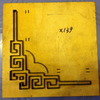 Góc chặt hoa văn giấy po tranh-X139