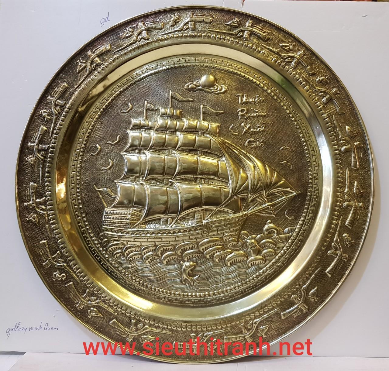 Tranh mâm đồng vàng nguyên chất – Thuận Buồm Xuôi Gió -A217