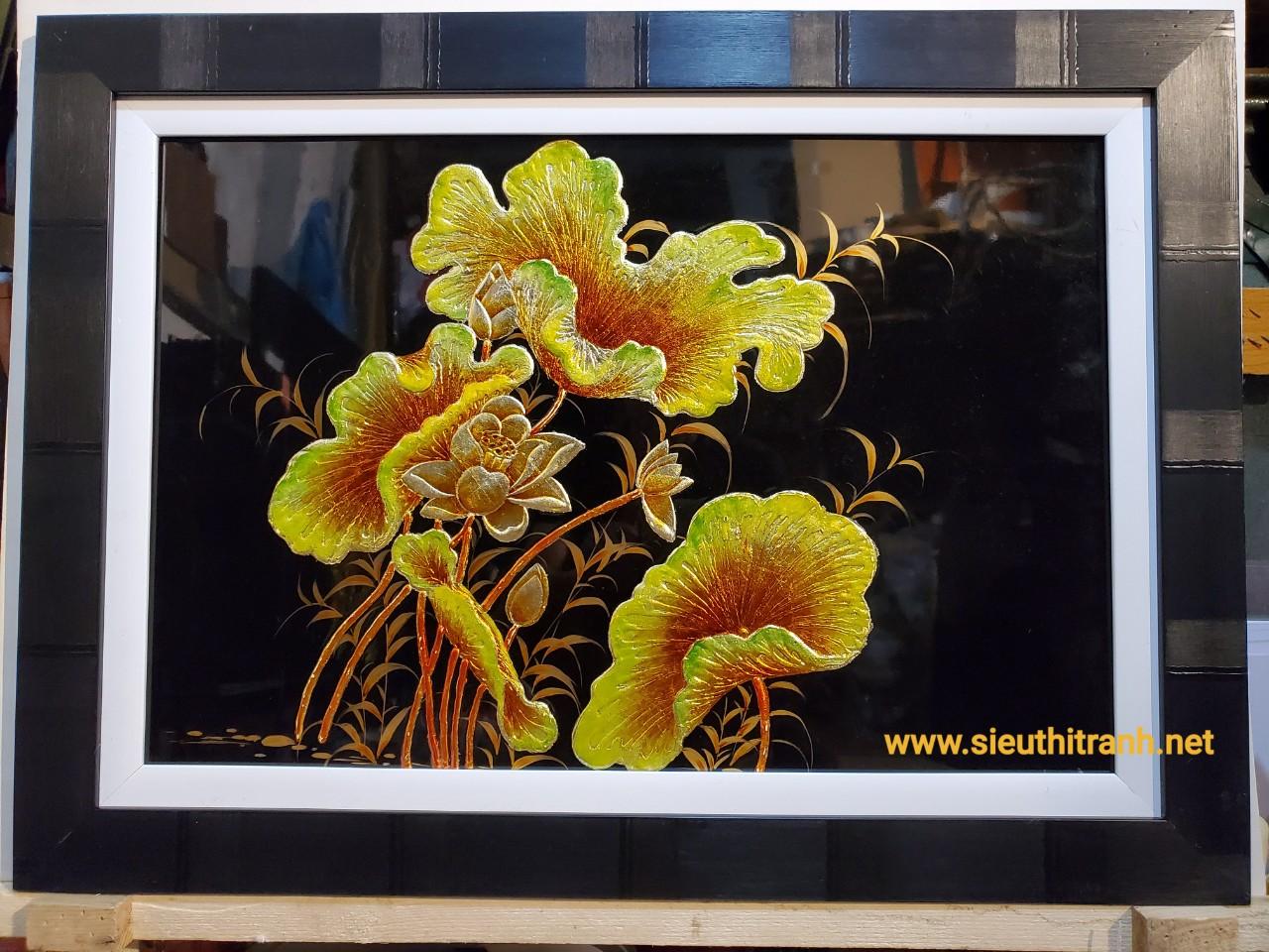 Tranh sơn mài đắp nổi thếp vàng bạc – Hoa sen vàng -SM308v