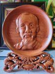 Đĩa gỗ bày bàn – Chân dung Bác Hồ -QT25